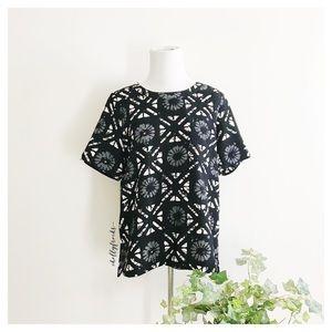 Madewell ∙ Batik Grid Short Sleeve Button Back Top